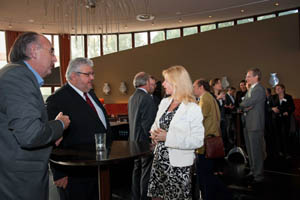 http://www.clubofamsterdam.com/contentimages/TBC/002%20holistic%20management/event%20pictures/700_10__DSC2768%20300X200.jpg